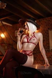 Ashe Noir style cosplay photoshoot by Dzikan